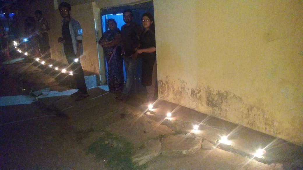 खूंटी जिले में लोगों ने इस तरह जलाया दीया