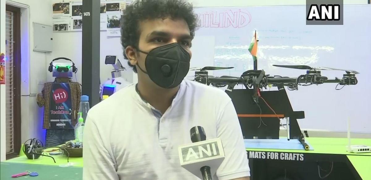 लखनऊ के रहने वाले इस युवा ने बनाया ड्रोन, आठ किमी तक उड़कर कर सकता है सेनीटाइज
