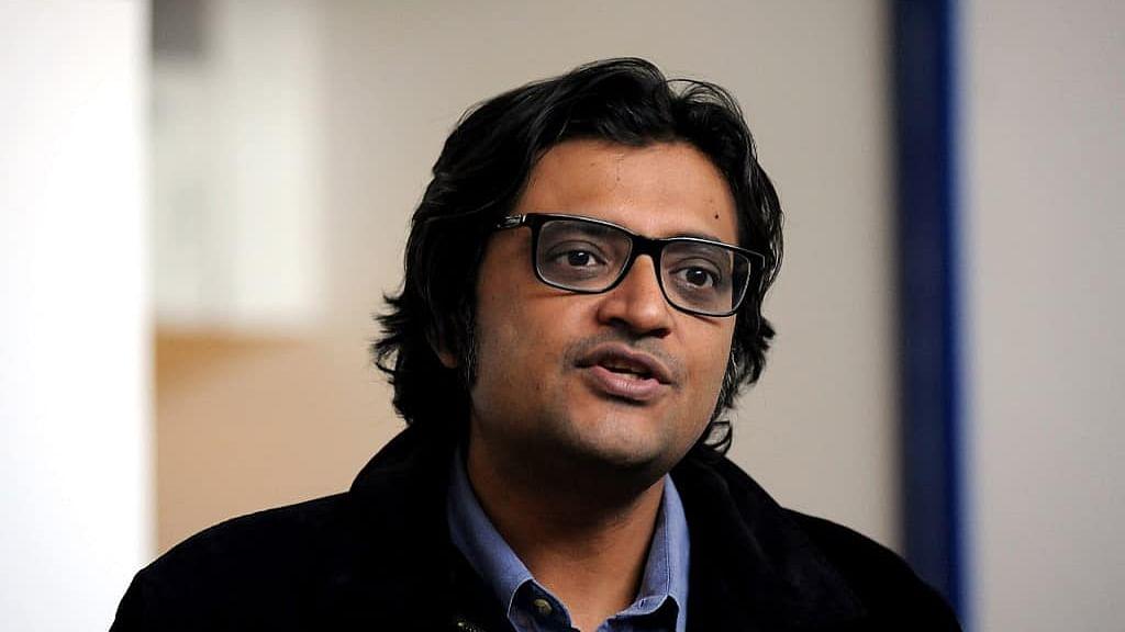 रिपब्लिकन टीवी के पत्रकार अर्नब गोस्वामी समेत तीनों आरोपितों को सुप्रीम कोर्ट ने दी जमानत