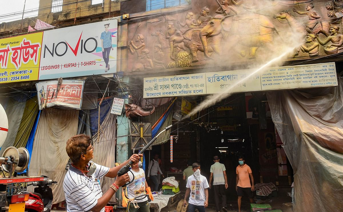लॉकडाउन में बंगाल के गरीबों को नहीं मिल रहा मुफ्त अनाज, राशन कार्ड गिरवी रखकर पैसे ले रहे हैं लोग...