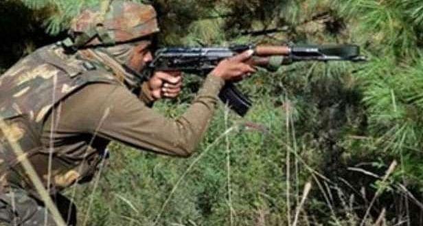 जम्मू कश्मीर : एनकाउंटर में सुरक्षाबलों ने तीन आतंकी किए ढेर, मुठभेड़ अब भी जारी