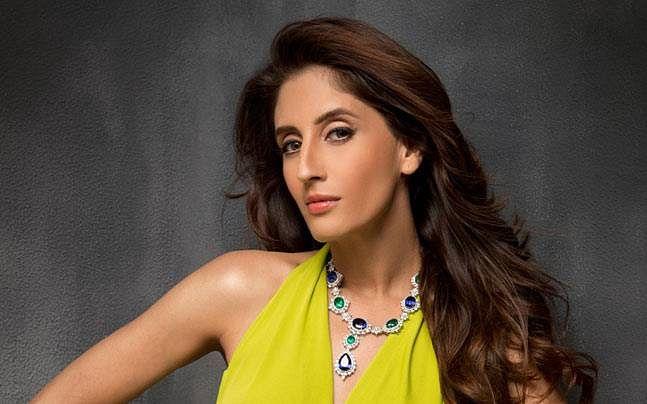 Sussanne Khan की बहन Farah Khan Ali के घर पर मिला Corona Positive केस