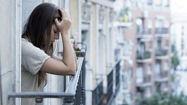 कोरोना से ठीक मरीजों को घेर रही हैं नकारात्मक भावनाएं, बढ़ रही हैं मानसिक परेशानी