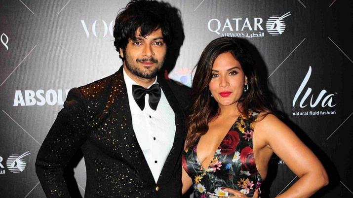 अली फजल और ऋचा चड्ढा अप्रैल में इस साल शादी करने वाले थे लेकिन लॉकडाउन के चलते शादी की डेट टल गई.