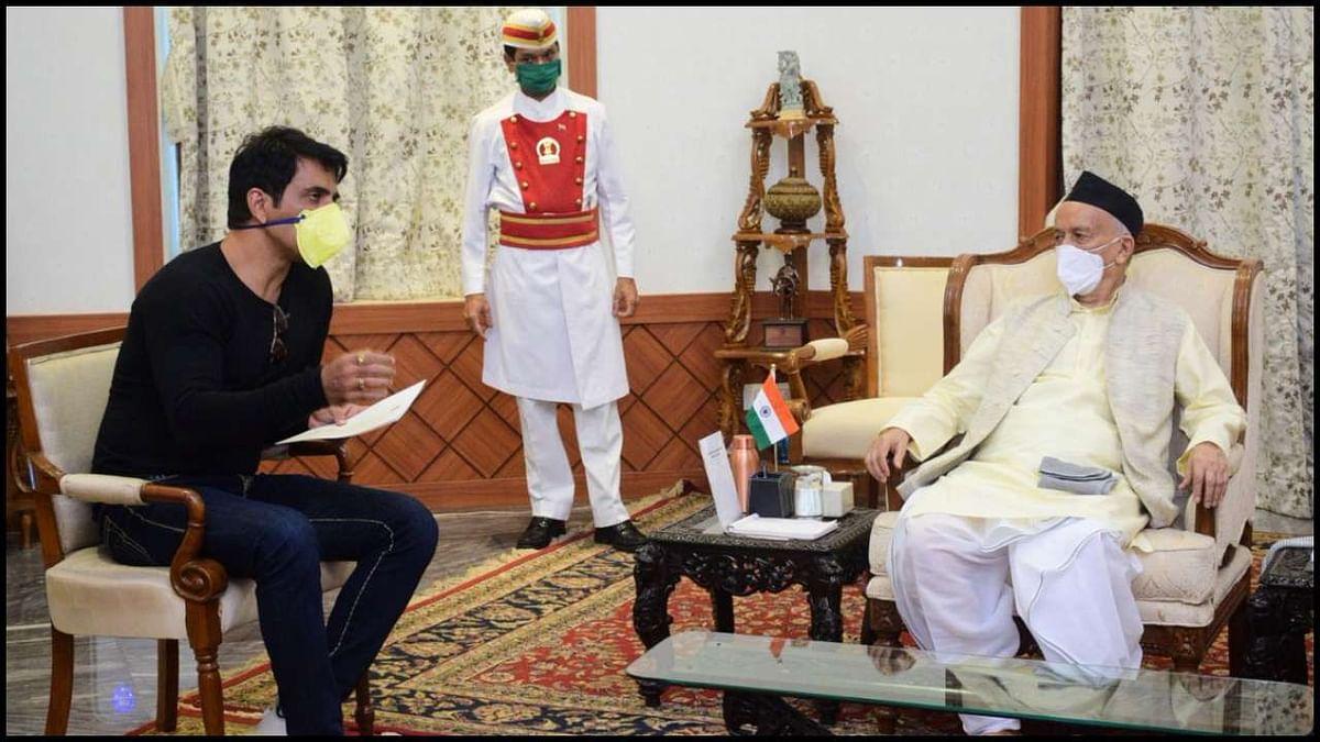 महाराष्ट्र के राज्यपाल से मिले सोनू सूद, खूब मिली तारीफें, गवर्नर ने कहा- हर संभव करेंगे मदद