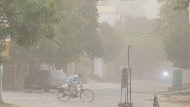 मध्यप्रदेश में आंधी-बारिश से सात लोगों की मौत, तीन जिलों में ठप हुई बिजली आपूर्ति