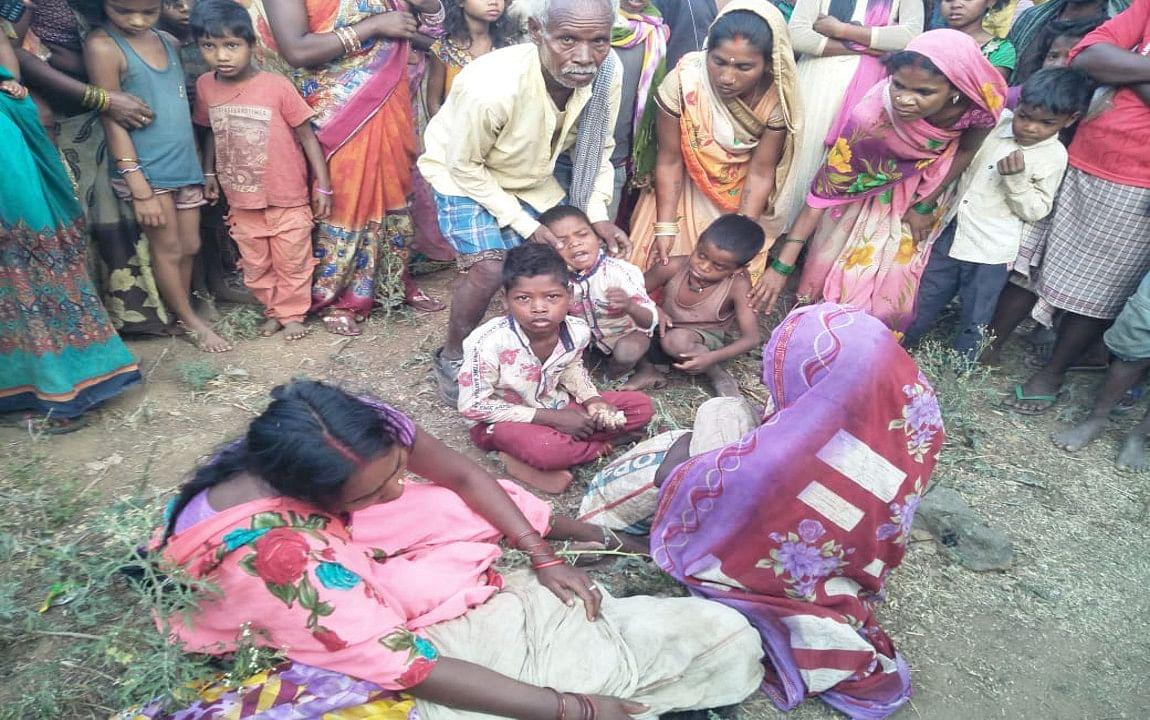 छत्तरपुर में हाइवा की चपेट में आने से एक महिला की मौत, गुस्साए ग्रामीणों ने किया सड़क जाम, आश्वासन के बाद हटा जाम