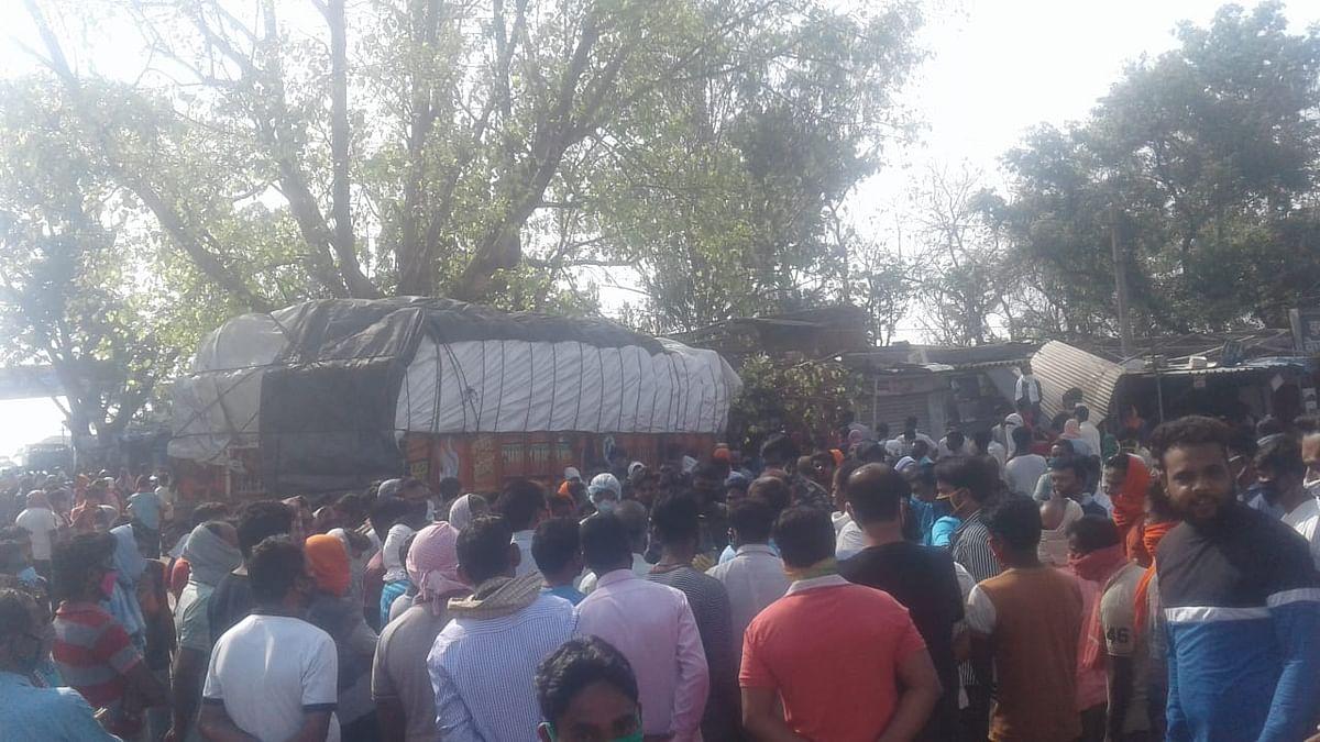 हजारीबाग : चरही में भीषण सड़क हादसा,  4 लोगों की मौत, ट्रक ड्राइवर व खलासी समेत 4 घायल