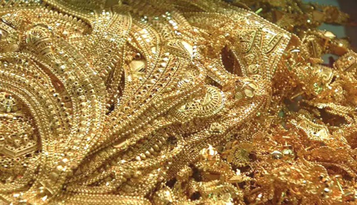 Gold Silver Price Today : शुक्रवार को एक बार फिर 47,000 के पार पहुंचा सोना, चांदी में नरमी बरकरार