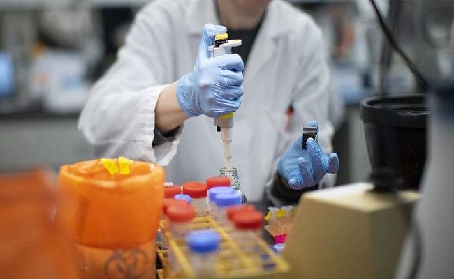 लोगों को जबरन कोरोना संक्रमित करना होगा, जानिए वैकसीन बना रहे वैज्ञानिकों ने ऐसा क्यों कहा