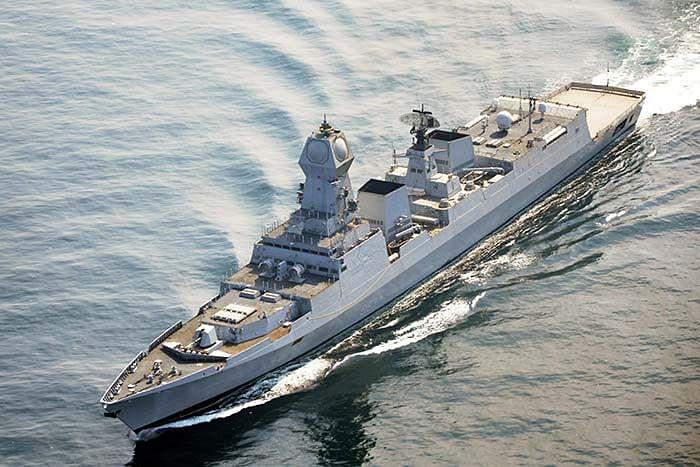 UAE और मालदीव में फंसे भारतीय लौटेंगे स्वदेश, भेजे गये नौसेना के पोत