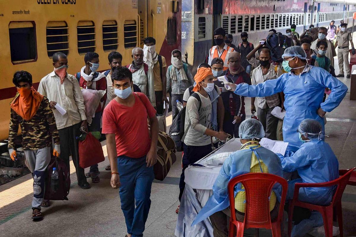 Coronavirus Tracker Updates : मुंबई में आज कोरोना के 998 नये मामले और 25 की मौत, संक्रमितों की संख्या 16579 हुई
