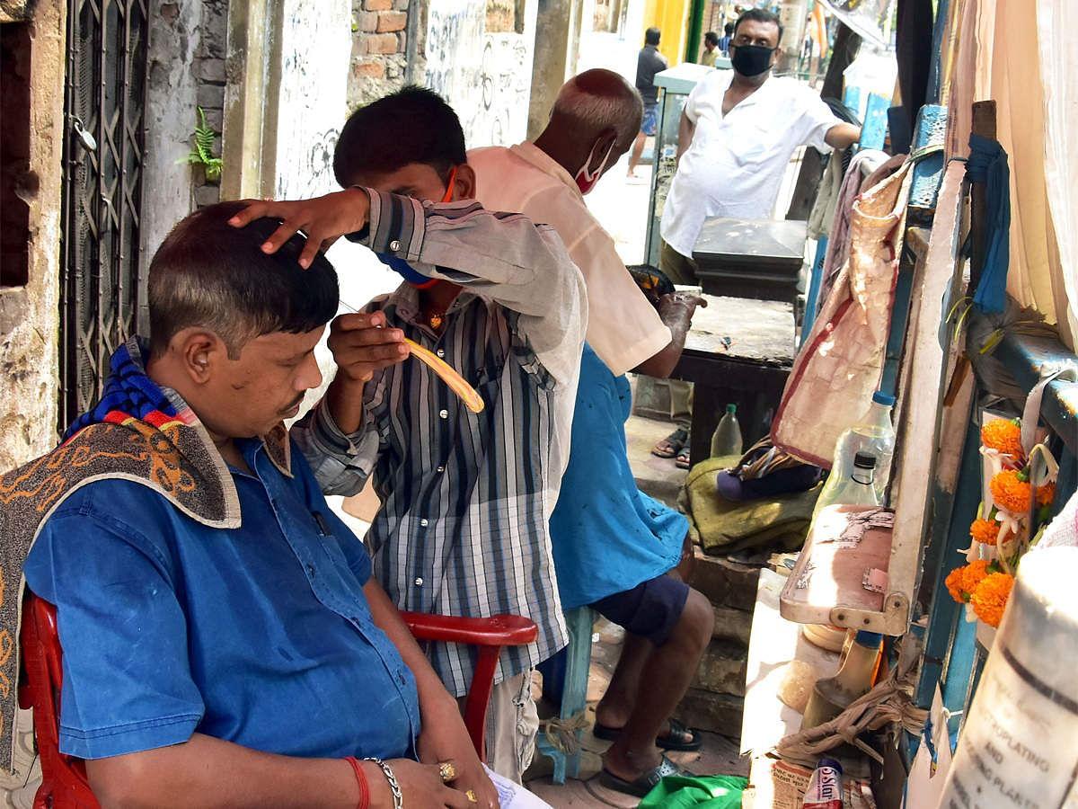 Lockdown in Bihar : आज से खुल गये सैलून, फर्नीचर और स्टेशनरी की दुकानें, लोगों ने अपनाया कोविड प्रोटोकॉल