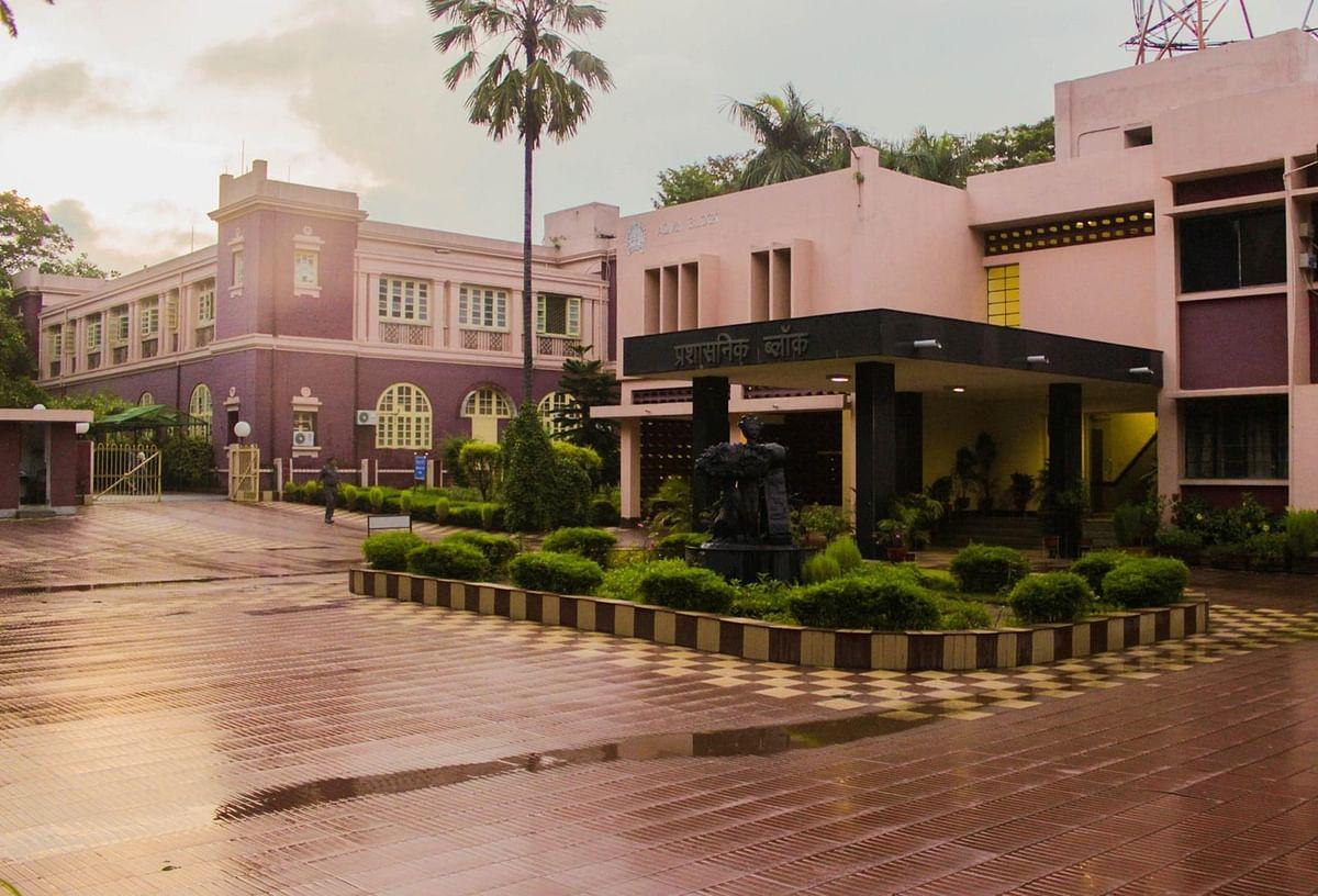 धनबाद IIT-ISM में फंसे हैं 39 विदेशी विद्यार्थी, वतन वापसी के लिए हैं परेशान