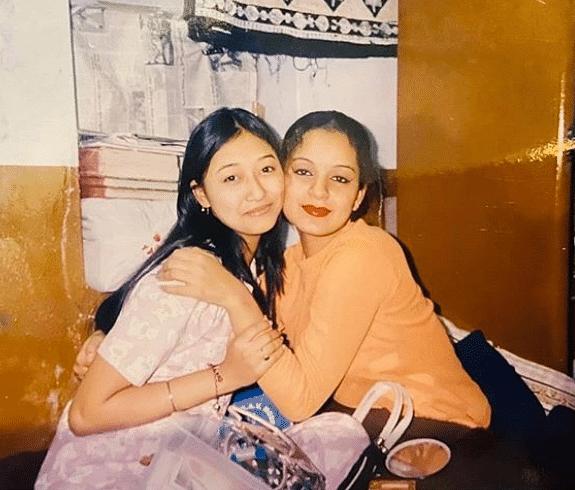 कंगना रनौत की ये तस्वीरें साल 2003 की हैं. यह तस्वीरे चंडीगढ़ के डीएवी सेक्टर 15 के स्कूल में पढ़ाई के दौरान की हैं.