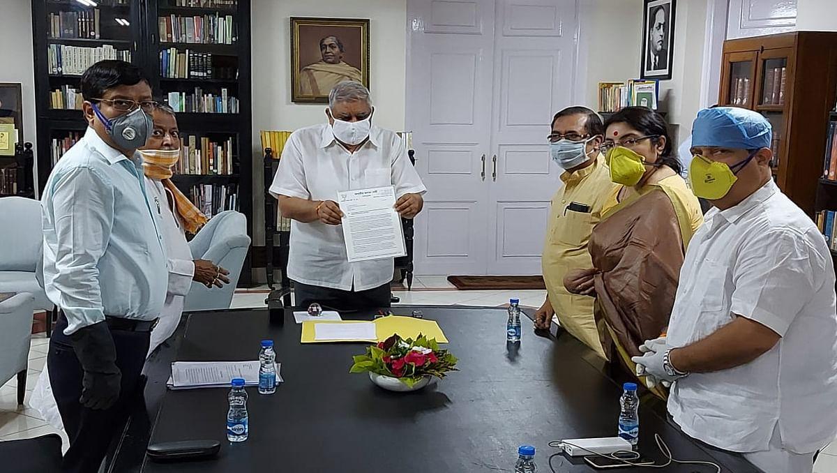 'मिशन दिल्ली' पर धनखड़, तीन दिनों की यात्रा का आगाज, बंगाल हिंसा को लेकर MHA को देंगे रिपोर्ट?