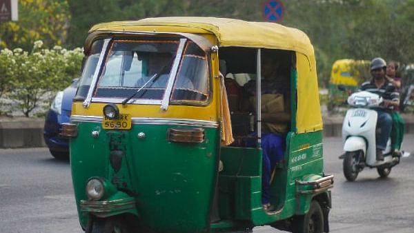 Unlock 3.0 Bihar: बिहार में आज से शुरू हो जायेगा बसों का परिचालन, ऑटो-टैक्सी भी चलेंगी, ...जानें नियम?