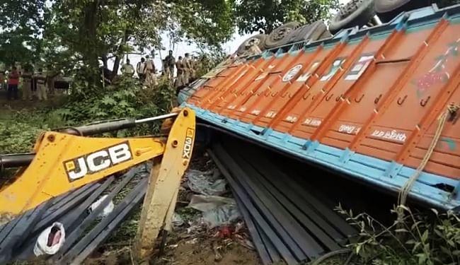 भागलपुर सड़क हादसा : CM नीतीश ने की छिप कर आवाजाही नहीं करने की अपील, मृतकों के परिजनों को 4-4 लाख रुपये मुआवजे का एलान
