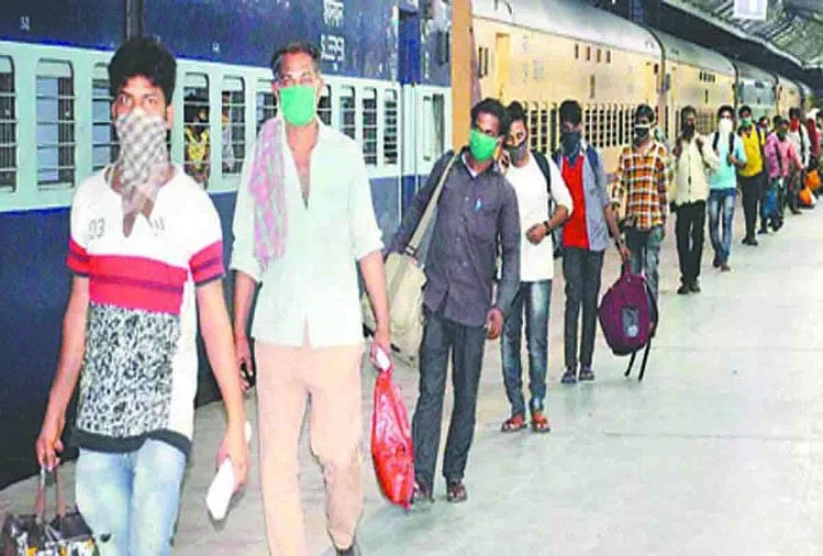 गुजरात से 10 जिले के 1590 श्रमिक पहुंचे पलामू