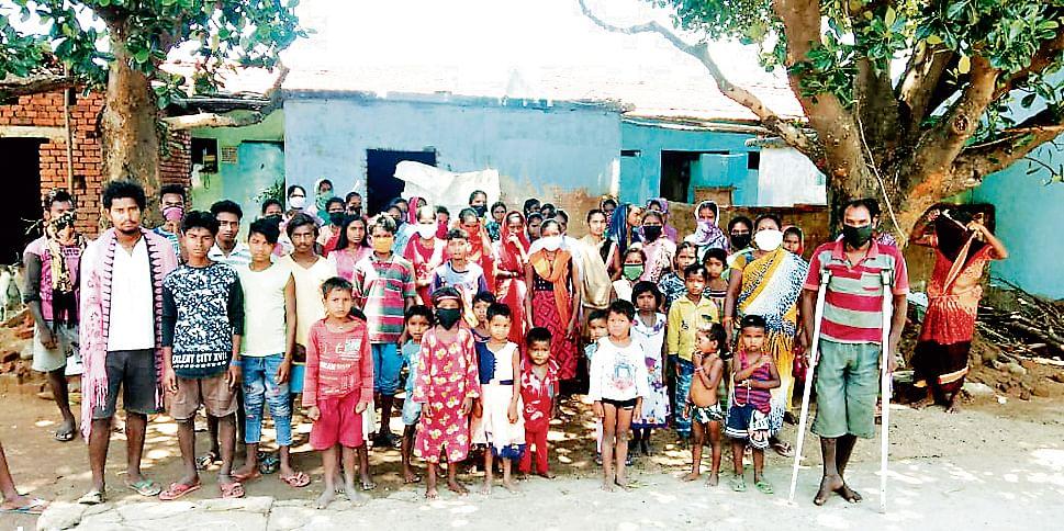 हजारीबाग के बड़कागांव में मांड़-भात खाकर गुजर कर रहे बिरहोर, परदेश न जाने की खायी कसम