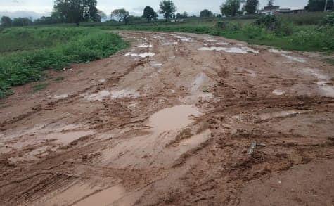 लातेहार, पश्चिमी सिंहभूम और लोहरदगा के लिए मौसम विभाग ने जारी की चेतावनी, इटखोरी में बारिश से किसान परेशान