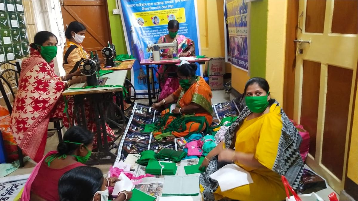 जोधपुर में आजीविका के लिए मास्क बना रहीं पाकिस्तान से विस्थापित हिन्दू महिलाएं