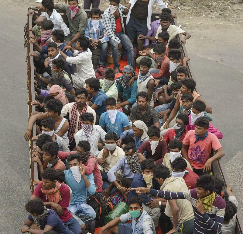 मनरेगा के तहत प्रवासी मजदूरों को मिलेगा काम, जानें कैसे बना सकते हैं जॉब कार्ड