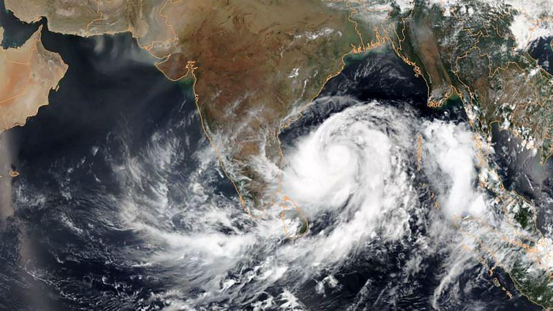 बंगाल में आ रहा है अम्फान से भी बड़ा तूफान, मौसम विभाग के अलर्ट का क्या है सच?