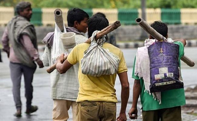 श्रमिकों से मार पीट के बाद हिमाचल प्रदेश से लौटे झारखंड के 61 मजदूर, सीएम हेमंत ने लिया था संज्ञान