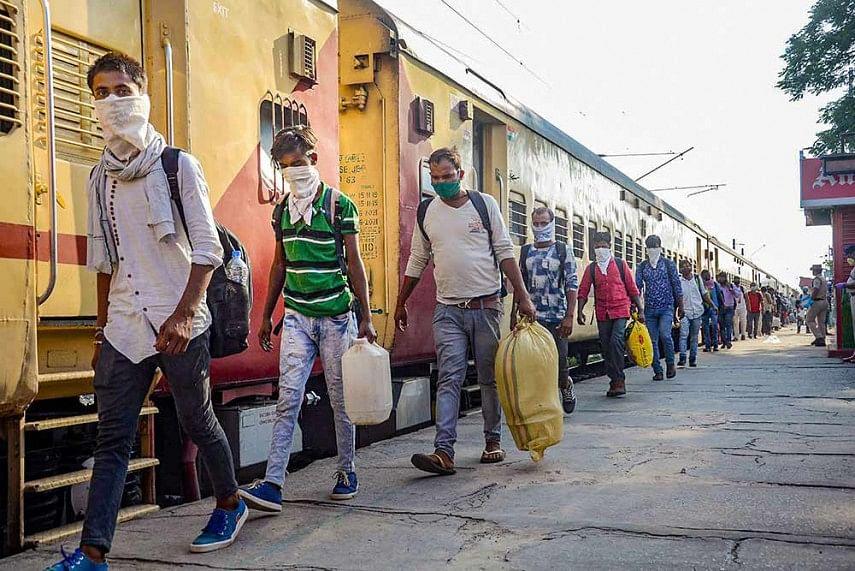 रेलवे ने कहा, 1100 श्रमिक स्पेशल ट्रेनों से अब तक 15 लाख से अधिक प्रवासी बिहार पहुंचे