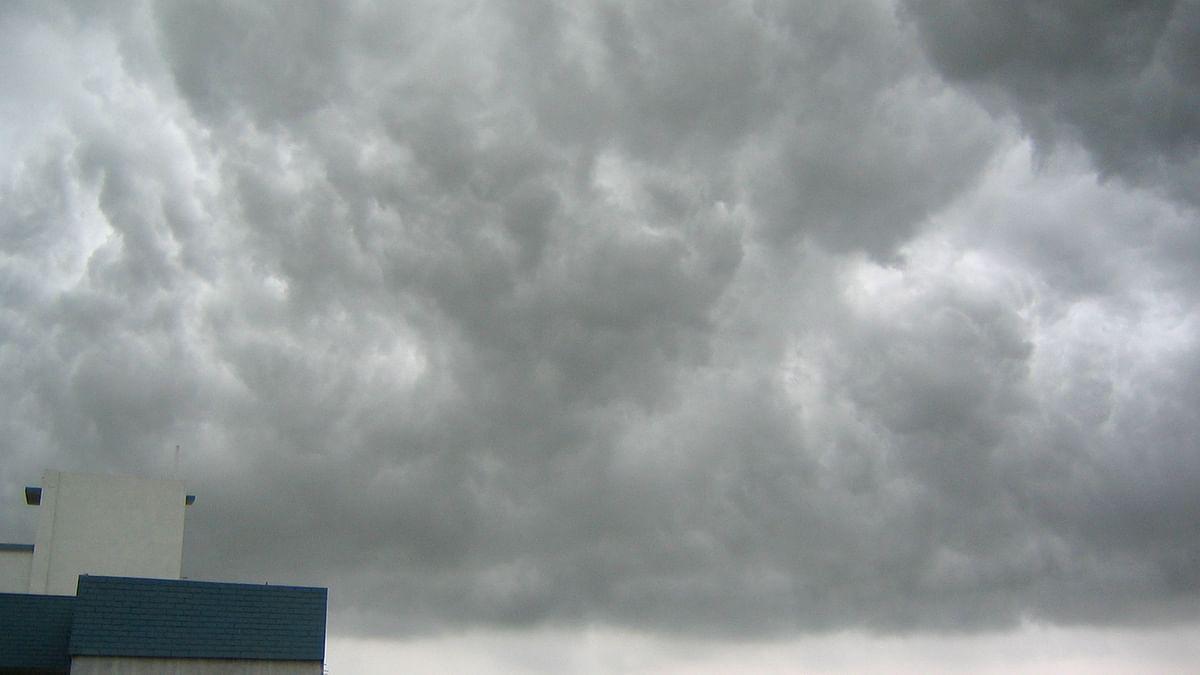 Weather Forecast LIVE Updates Today : देशभर में मानसून हुआ कमजोर, यूपी, बिहार में होगी अच्छी बारिश, जानें दिल्ली-NCR, झारखंड समेत अन्य राज्यों का हाल