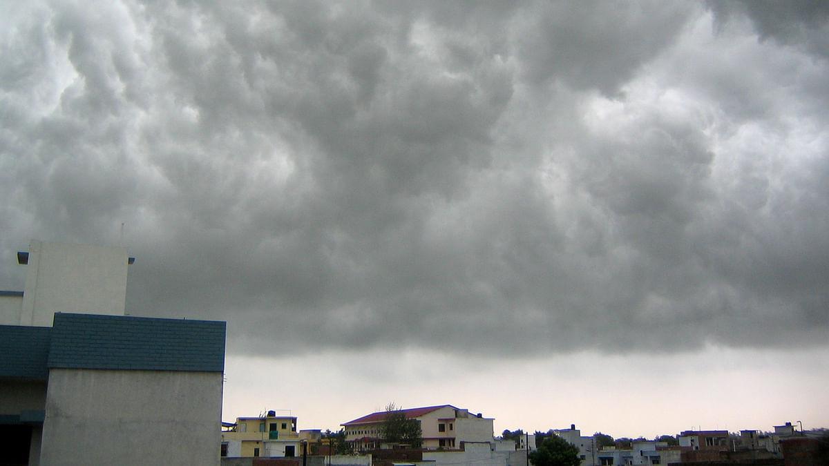 Weather Forecast LIVE Updates : दिल्ली में बारिश, जानें यूपी-झारखंड-बिहार सहित देश के अन्य राज्यों के मौसम का हाल