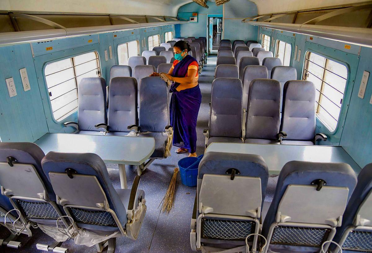Indian Railways : आज से चलेंगी 100 जोड़ी ट्रेनें, पहले ही दिन 1.45 लाख से अधिक लोग करेंगे यात्रा