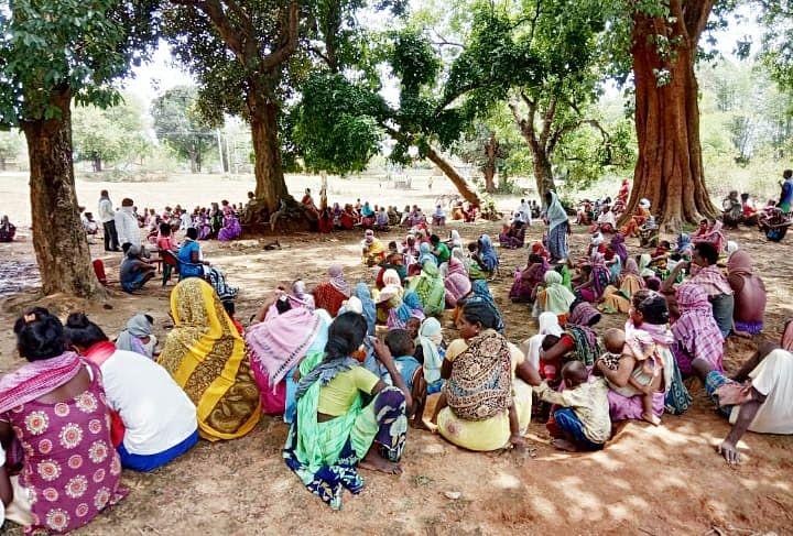 कोरोना संक्रमण से बचने के लिए 8 गांवों में हड़िया-दारू की बिक्री बंद, गांव में प्रवासी मजदूरों के प्रवेश पर रोक