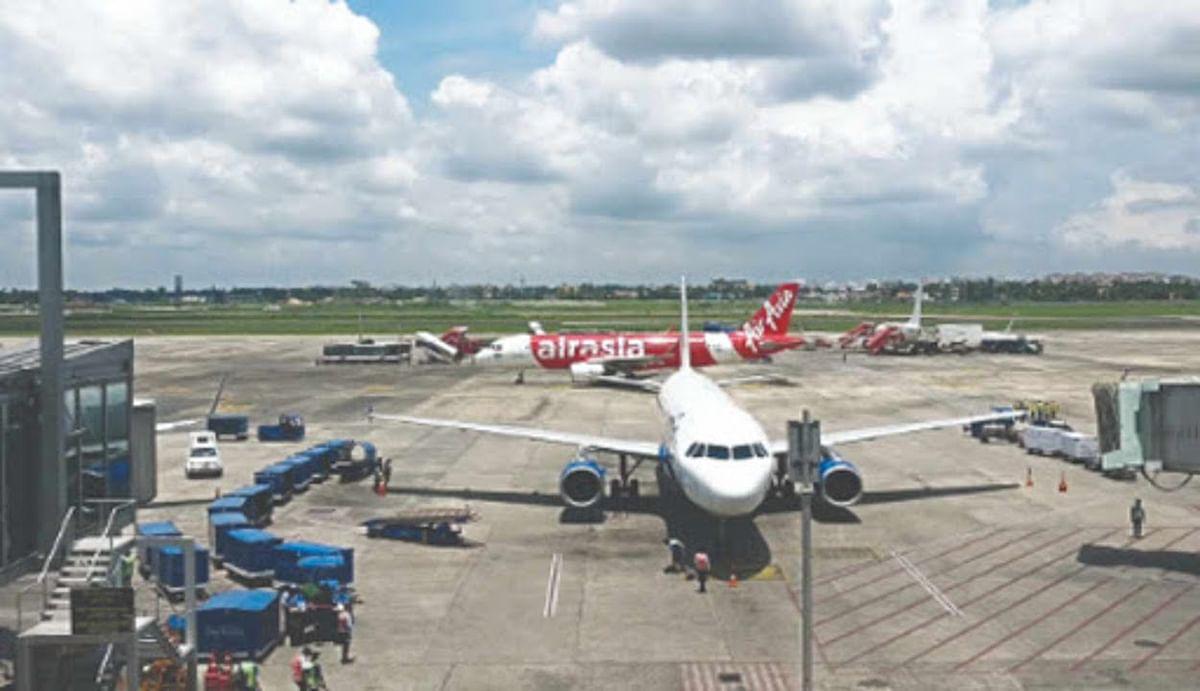 चक्रवाती तूफान 'अम्फान' के खतरे को देख गुरुवार सुबह तक दमदम हवाई अड्डे पर रद्द रहेंगी सारी उड़ानें