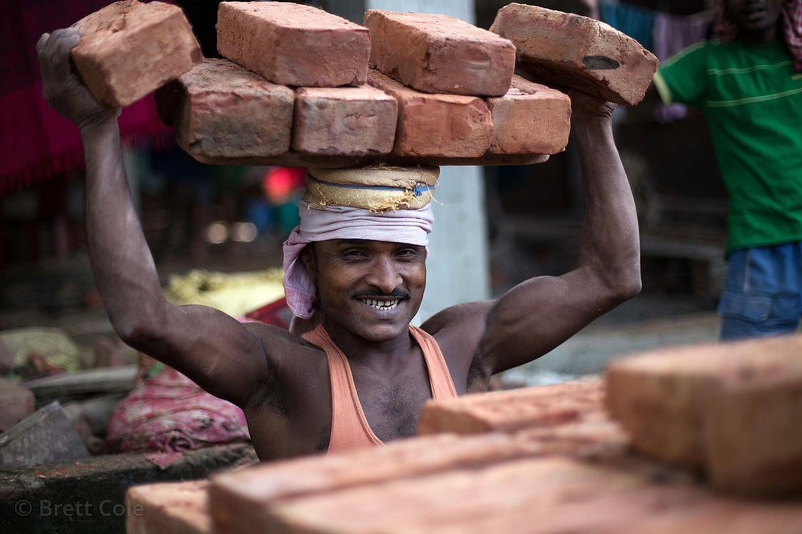 प्रवासी मजदूरों का रजिस्ट्रेशन शुरू , मिलेगा रोजगार