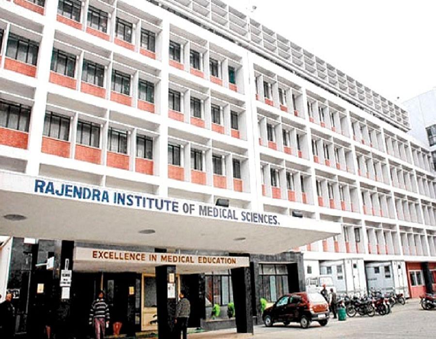 स्वास्थ्य मंत्री ने लटकायीं टेंडर से जुड़ी रिम्स की फाइलें, मरीज हित के कई फैसले अटके