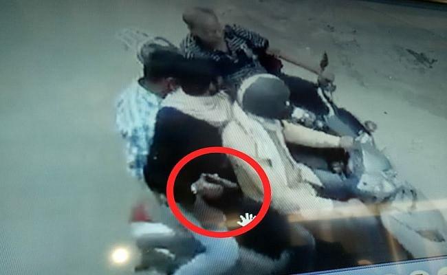 बिहार : सीतामढ़ी में बदमाशों ने दिनदहाड़े साइकिल व्यवसायी को गोली मारी, मौत