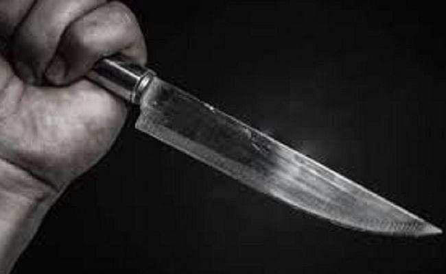 युवक ने माता-पिता व भाई सहित परिवार के छह सदस्यों की हत्या कर पहुंचा थाने, बोला...
