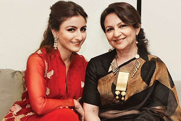 शर्मिला टैगोर ने जहां एक से बढ़कर एक सपरहिट फिल्में दी, वहीं उनकी बेटी सोहा अली खान कोई हिट फिल्म न बना पाईं.
