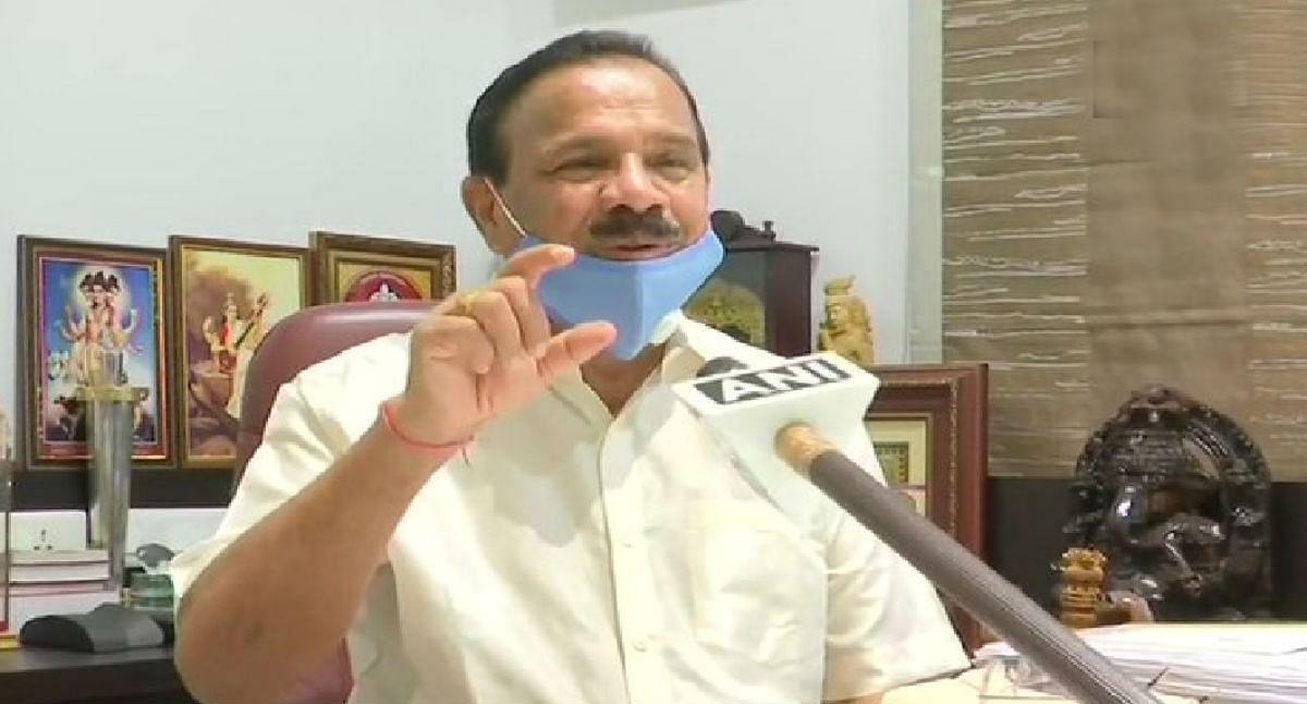 VIDEO : दिल्ली से बेंगलुरु पहुंचे मंत्री सदानंद गौड़ा, क्वारेंटिन को लेकर जब विपक्ष ने घेरा, तो दिया ऐसा जवाब...