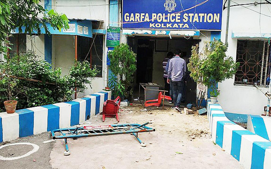 कोलकाता पुलिस कांस्टेबल की मौत पर सहकर्मियों का फूटा गुस्सा, थाना में की तोड़फोड़, लापरवाही का लगाया आरोप