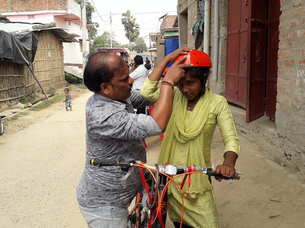 बिहार की बेटी ज्योति ने साइकिलिंग फेडरेशन के  ट्रायल में शामिल होने के लिए शुरू की प्रैक्टिस