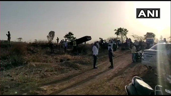 मालगाड़ी की चपेट में आने से 14 मजदूरों की मौत,   घर जाने के लिए निकले थे, थककर पटरी पर ही सो गये