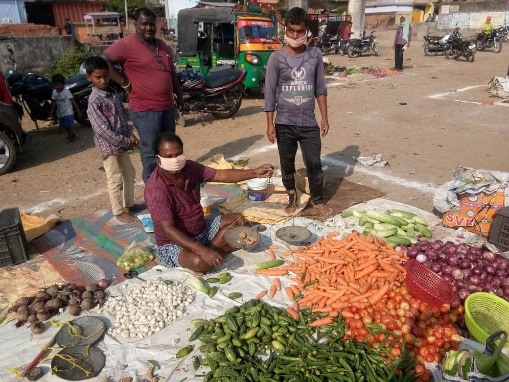 Bihar Lockdown: मजिस्ट्रेट की निगरानी में खुलेंगी सब्जी, मांस व मछली की दुकानें, गली-मोहल्लों पर रहेगी विशेष नजर