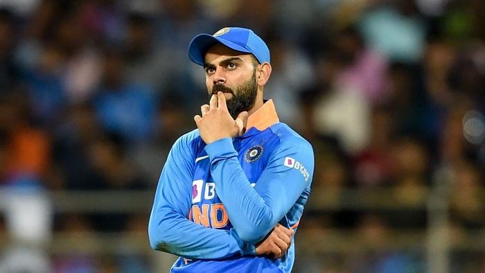 India vs Australia: लंबी छुट्टी पर जाने से पहले विराट कोहली ने भारत के शर्मनाक स्कोर को और शर्मसार किया