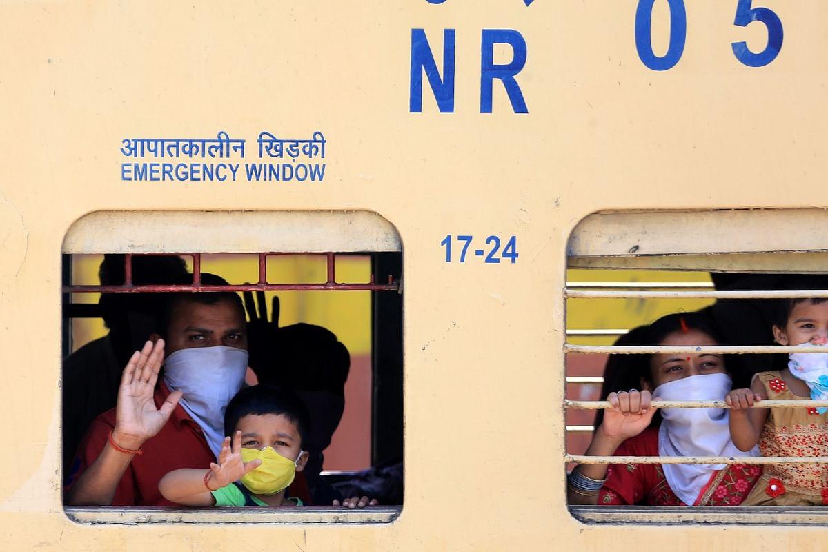 Indian Railways: 1 जून से चलेंगी 200 और ट्रेनें, टिकट बुक करने से पहले जानें रेल मंत्रालय की ये अपील, कौन करें यात्रा कौन नहीं...