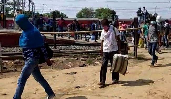 Coronavirus in Bihar : इन सात राज्यों से आने वाले यात्री होंगे होम कोरेंटिन, एयरपोर्ट, स्टेशन और बस स्टैंड से मंगायी जा रही यात्रियों की सूची