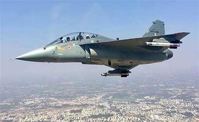 LCA तेजस की दूसरी स्क्वाड्रन भारतीय वायुसेना में शामिल, एयर चीफ ने तेजस में भरी उड़ान