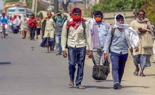 बिहार में प्रवासी मजदूरों को भी मिलेगा विशेष अनुदान का लाभ, रोजगार देने को जिलावार समीक्षा शुरू